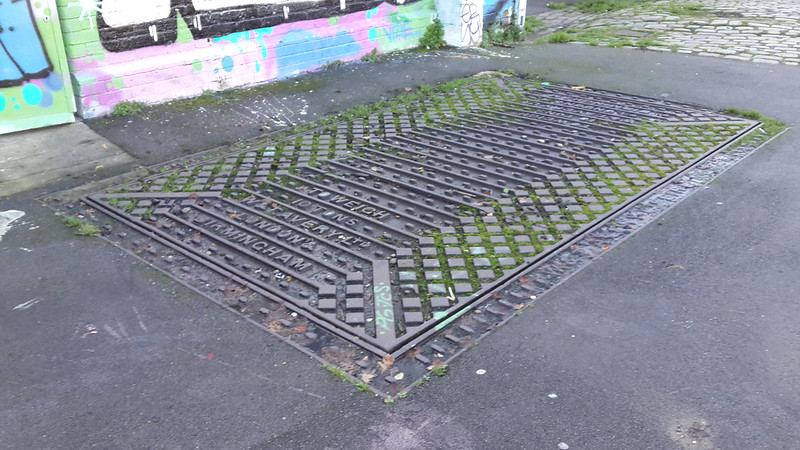"""""""Biggest Drain Cover I Have Ever Seen"""" turns out to be """"Not A Drain Cover After All"""""""