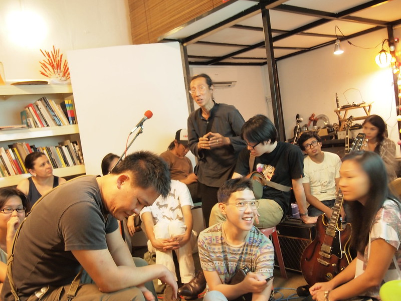 A Presentation of Ethnographic Fragments (Aliwal Street, 25 August 2012)