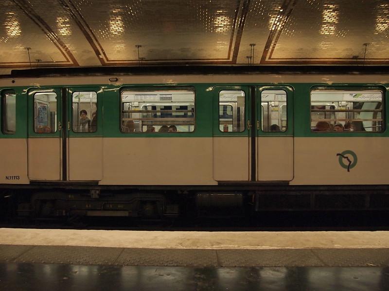 Field Recording: French Rap and Derbouka on Paris Metro (12 October 2012, Paris)