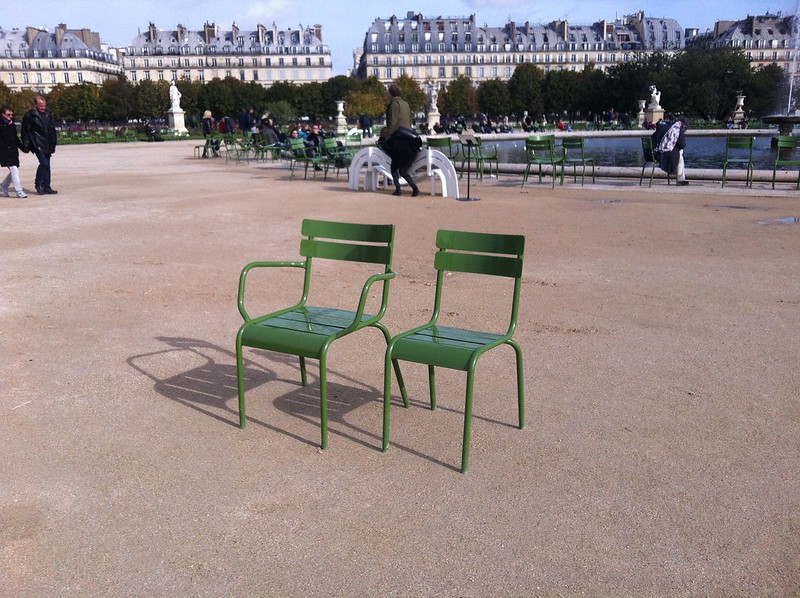 F0001 – A Game: Finding Chair F0001 at the Jardin de Tuileries
